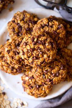 Pumpkin Oat Chocolate Chip Breakfast Cookies
