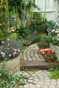 The Garden Path | Content in a Cottage