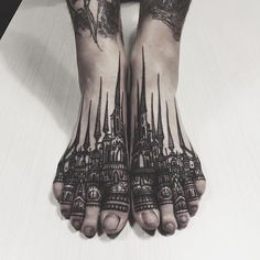 Not sure I want my feet tattooed or especially this heavily but wow this is beautiful and if I ever did get them done, something like this would be awesome.