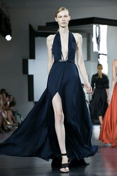 A look from the Jason Wu Spring 2015 RTW collection. http://www.nytimes.com/fashion/runway/jason-wu/spring-2015-rtw/33