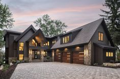 Rustic contemporary lake house with privileged views of Lake Minnetonka Office houses design plans exterior design exterior design houses home architecture house design houses Rustic Houses Exterior, Dream House Exterior, Mountain Home Exterior, Home Designs Exterior, House Exterior Design, Mountain Homes, Modern Farmhouse Exterior, Interior Design, Interior Modern