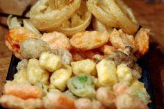 Bite me, I'm vegan: Crispy Tempura Vegan Blogs, Tempura, Veg Recipes, Pasta Salad, Appetizers, Yummy Food, Meat, Chicken, Veganism