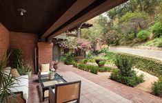 http://www.zillow.com/blog/house-of-week-restored-craftsman-166361/?cbpartner=MSN Real Estate