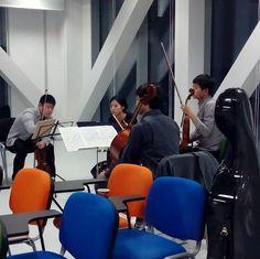 Actividad en las aulas de arte y música del edificio @etopia_