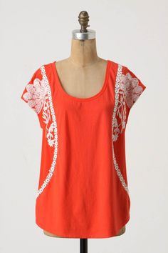 I hate to admit this but I'm very drawn to orange colors this summer...I'm going to try to stick to corals!  But this is gorgeous, and so many fun necklaces would be fab with this!