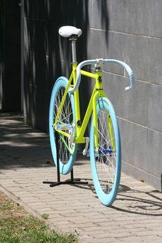 Főoldal :: Fixi / SS / Verseny kerékpár :: Komplett bicikli :: Hr Design Fixi 2. Lime-kék Pista