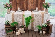 Как украсить стол молодоженов в стиле рустик.