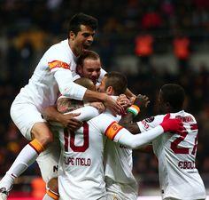 Kayseri'de CİMBOMBOM'un gol coşkusu..