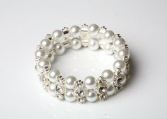 Wedding Jewelry Bridal Bracelet Bridesmaid Bracelet 3 strands of Crystal White Glass Pearls with rhinestone Spacers Bracelet 0728