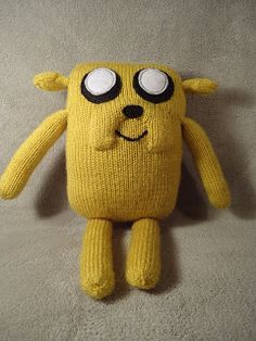 Lizzard Crafts: Jake the Dog Pattern - this is what mine was supposed to look like, but misread the pattern so he became a sausage dog of sorts...