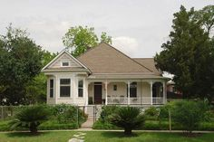 JUST SOLD in Houston Heights! 301 E 8th Street Offered at $780,000.