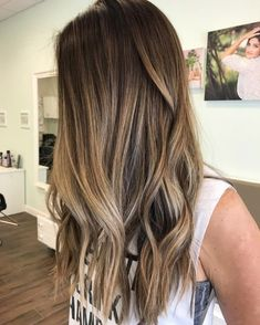 9 Best Fall Hair Trends That Will Inspire Your Next Look Retro Hairstyles, Party Hairstyles, Fall Hair Trends, Short Hair With Layers, Brown Hair Colors, Brunette Hair, Ombre Hair, Hair Looks, New Hair