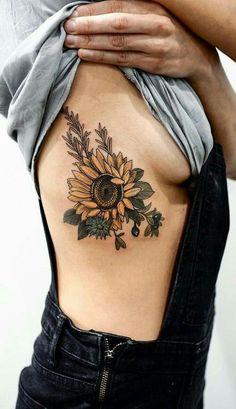 Realistic sunflower rib tattoo ideas for women with color - ideas de tatuaje de costillas de Dream Tattoos, Future Tattoos, Body Art Tattoos, Hand Tattoos, Small Tattoos, Sleeve Tattoos, Tatoos, Rib Tattoos, Thigh Tattoos