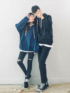 Korean couple fashion outfits ideas for couples ♥ cute korean, fashion couple, couple clothes Korean Outfit Street Styles, Korean Street Fashion, Korean Outfits, Asian Fashion, Korean Style, Punk Fashion, Matching Couple Outfits, Matching Couples, Cute Couples