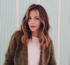 Michelle Monaghan face framing highlights