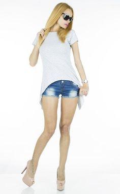 Tricou Dama Coco Grey  -Tricou dama casual  -Model cu taietura asimetrica, ce cade lejer pe corp si poate fi purtat cu usurinta     Latime talie:35cm  Lungime:55cm  Lungime colt:85cm  Compozitie:100%Bumbac Bermuda Shorts, Grey, Casual, Model, Fashion, Gray, Moda, Fashion Styles