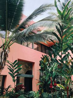 50 ideas for house ideas exterior tropical plants Exterior House Colors, Exterior Design, Interior And Exterior, Estilo Tropical, Tropical Vibes, Tropical Colors, Design Living Room, Photocollage, Mid Century Design