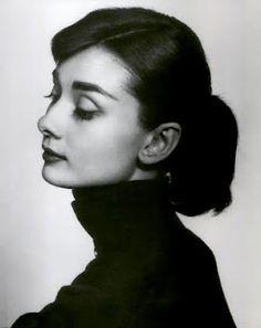 Audrey Hepburn. So pretty !!