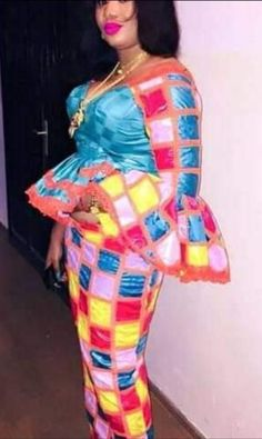 Latest African Fashion Dresses, African Dresses For Women, African Print Dresses, African Attire, African Wear, Lace Gown Styles, African Blouses, African Models, Africa Fashion