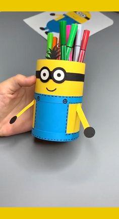 Hand Crafts For Kids, Diy Crafts For Girls, Diy Crafts Hacks, Diy For Kids, Craft Activities For Kids, Paper Roll Crafts, Paper Crafts Origami, Easy Origami, Pen Holder Diy