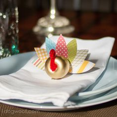 Apple Turkey - Thanksgiving Craft - Use as Thanksgiving table place settings, at www.1dogwoof.com  This is so cute!
