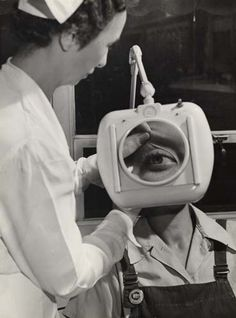 Magnifier for locating foreign bodies embedded in the eye, Gilbert & Barker hospital, West Springfield, MA. 1944 by Esther Bubley Diseases Of The Eye, Mono No Aware, Eye Study, West Springfield, The Secret History, Photo Journal, Belle Photo, Alter, My Eyes