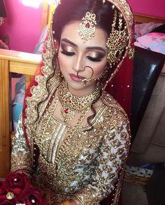 """Képtalálat a következőre: """"indian bridal dresses"""" Pakistani Bridal Makeup, Asian Bridal Makeup, Indian Wedding Makeup, Bridal Makeup Looks, Indian Bridal Wear, Pakistani Wedding Dresses, Wedding Hair And Makeup, Bridal Looks, Indian Makeup"""
