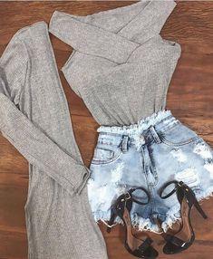 Veja mais no site Teenage Outfits, Teen Fashion Outfits, Mode Outfits, Outfits For Teens, Cute Casual Outfits, Warm Outfits, Summer Outfits, Casual Shorts Outfit, Autumn Fashion Curvy