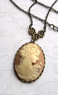 Lady Cameo Necklace long chain vintage style