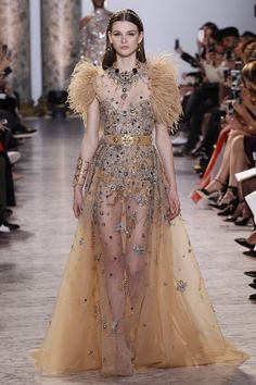 Paris haute couture week The French capital sees Elie Saab and Jean Paul Gaultier showcase designs Style Haute Couture, Spring Couture, Couture Week, Couture Fashion, Runway Fashion, Paris Fashion, Elie Saab Couture, Look Fashion, High Fashion
