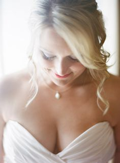Beachy bride: http://www.stylemepretty.com/destination-weddings/2014/11/04/romantic-wedding-at-trunk-bay-beach/   Photography: Elisha Orin - http://www.elishaorin.com/