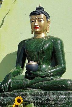 Bouddha de jade pour la paix dans le monde