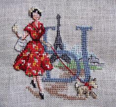 В поисках вдохновения: Алфавит Парижанки по-русски от Les Brodeuses Parisiennes Cross Stitch Letters, Retro 4, Victorian Women, Cross Stitching, Hats For Women, Needlepoint, Needlework, Spiderman, Vintage Ladies