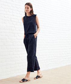 Diese Outfits bestimmen deinen Look von Kopf bis Fuß: Der Head to Toe Look erobert die Laufstege und Schaufenster gerade im Eiltempo.