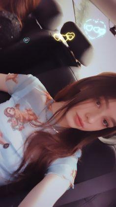 Beautiful Girl Photo, Beautiful Eyes, Mode Ulzzang, Supreme Wallpaper, Russian Beauty, Mom Son, Cute Beauty, Aesthetic Girl, Girl Photos