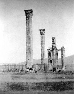 Temple of Olympian Zeus, Athens. Photo by James Robertson, Greek Blue, Old Greek, Acropolis Greece, Athens Greece, School Of Athens, Portal, Greek History, Ancient Greece, Crete
