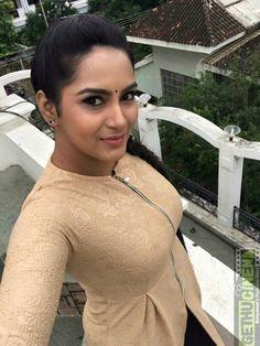 Indian Actress Gallery, Indian Actress Hot Pics, South Indian Actress Hot, Actress Pics, Beautiful Girl Photo, Beautiful Girl Indian, Beautiful Indian Actress, Beautiful Black Women, Bridal Hair Buns