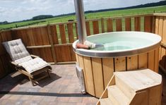 Bed & breakfast in Drenthe met hot tub en sauna B & B, Weekender, Bed And Breakfast, Holland, Tiny House, Tub, Places To Go, Outdoor Decor, Home
