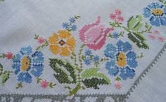 Vintage-Linen-Tablecloth-Pink-Blue-Embroidered-Tulips-Flowers-98