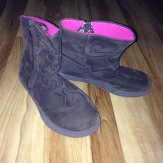 Brown ankle boots A girls 3, but fits a women's 6 as well. Great condition, only worn twice. Bought this size intentionally for a lower price. But obviously could also fit a kids 3 Sonoma Shoes Ankle Boots & Booties