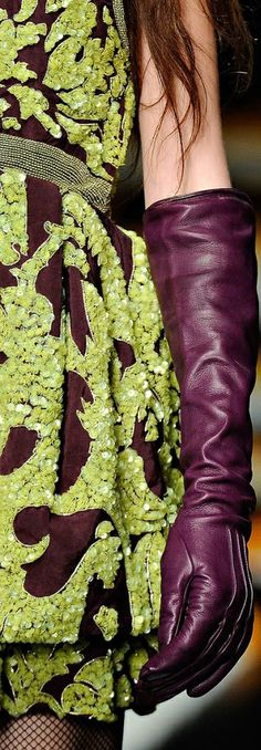 Long plum / aubergine leather gloves! Why not?