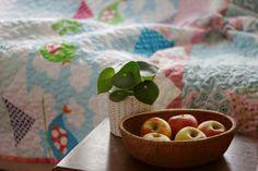 narzuta patchwork pastelowe domki, patchwork dla dziewczynki - dom artystyczny patchworki wystrój wnętrz tkaniny