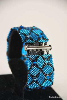 double diamondback bracelet - beadwork magazine