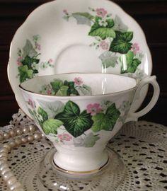 Vintage Royal Albert Tea cup and Saucer With Sprays of Ivy & Tiny Flowers Tea Cup Set, My Cup Of Tea, Tea Cup Saucer, Tea Sets, Café Chocolate, Cuppa Tea, Teapots And Cups, China Tea Cups, Tea Service