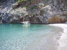 Η πιο συγκλονιστική παραλία της Εύβοιας που λίγοι άνθρωποι γνωρίζουν!  #Ελλάδα