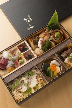 Takeaway Packaging, Fruit Packaging, Food Packaging Design, Bento Recipes, Cooking Recipes, Japanese Food Sushi, Food Branding, Aesthetic Food, Food Design