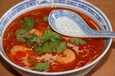 Ostrá thajská krevetová polévka Yams, Thai Red Curry, Soups, Ethnic Recipes, Food, Essen, Soup, Meals, Yemek