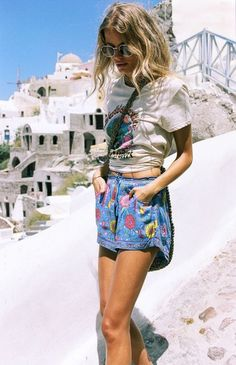 Shorts: boho travel graphic tee summer holidays flowered cactus cute outfits summer outfits blonde
