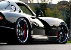 I've never been a huge Viper fan, but this picture is just sick!