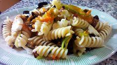 Ensalada de pasta con berenjenas y mozzarella - Insalata di pasta con melanzane e mozzarella - Pasta salad with eggplant and mozzarella.